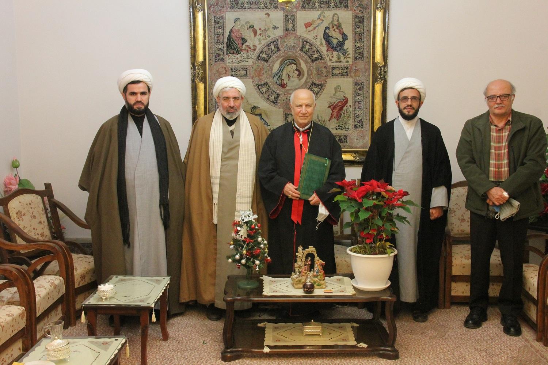 ابلاغ پیاممدیر حوزه های علمیه به اسقف اعظم ارومیه